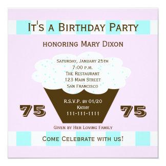Convite de aniversário do cupcake 75th, cupcake 75