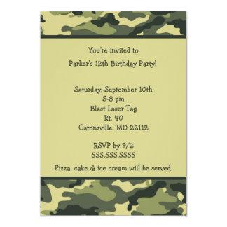 Convite de aniversário do verde do exército de