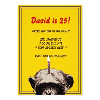Convite de aniversário engraçado do chimpanzé & da convite 12.7 x 17.78cm