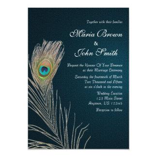 Convite de casamento azul simples da pena do pavão
