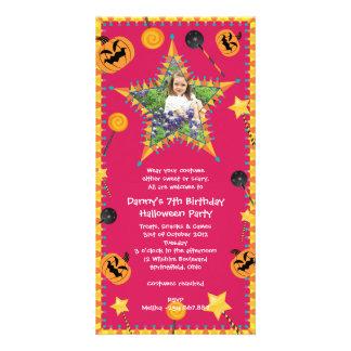 Convite de festas do traje do Dia das Bruxas do an Cartão Com Foto