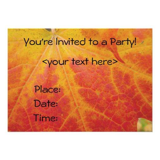 Convite de festas vermelho da folha de bordo