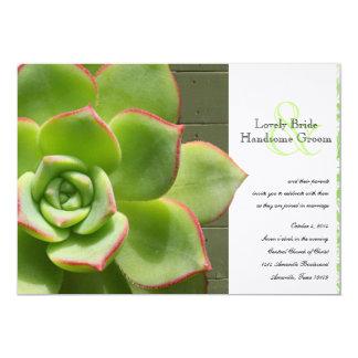 Convite de madeira do casamento do damasco verde