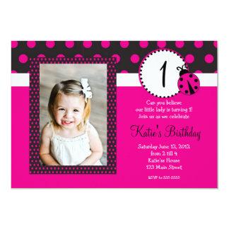 Convite do aniversário da senhora cor-de-rosa