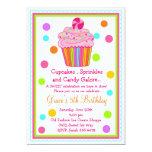 Convite do aniversário do cupcake dos doces da
