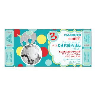 Convite do aniversário do elefante do circo