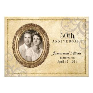 Convite do aniversário do pergaminho do vintage