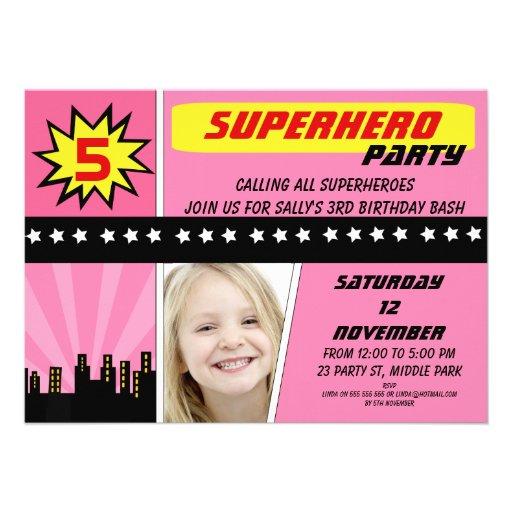 Convite do aniversário do super-herói da foto das
