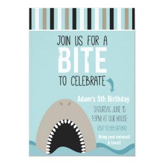 Convite do aniversário do tubarão & das listras