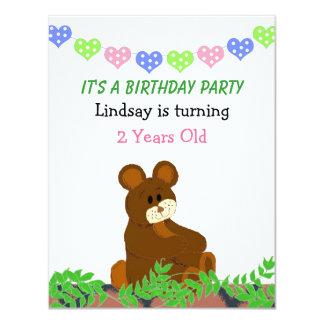 Convite do aniversário do urso de ursinho