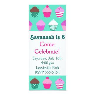 Convite do aniversário dos cupcakes