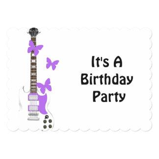 Convite do aniversário, guitarra, borboletas roxas