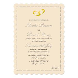 Convite do casamento com os anéis de ouro juntados