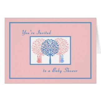 Convite do chá de fraldas com coelhos & árvores do