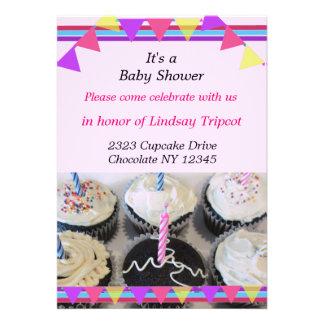 Convite do chá de fraldas dos cupcakes