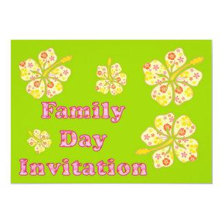 Convite do dia da família com flores do hibiscus