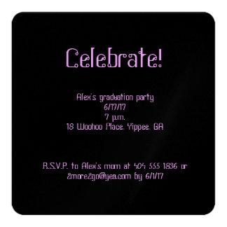 Convite do quadrado da graduação dos confetes