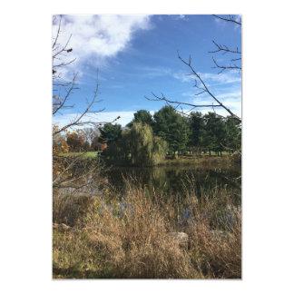 Convite dos pinheiros da lagoa do outono