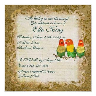 Convite dourado do bebê dos pássaros do amor