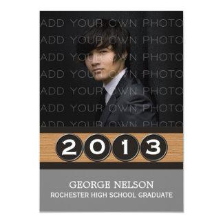 Convite elegante cinzento da graduação das chaves