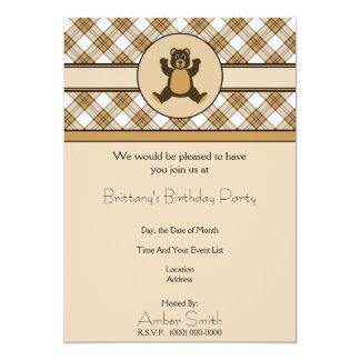 Convite feliz da xadrez do caramelo do urso de