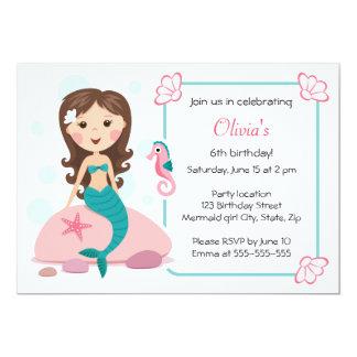 Convite feminino bonito do aniversário da menina