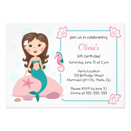 Convite feminino bonito do aniversário da menina p