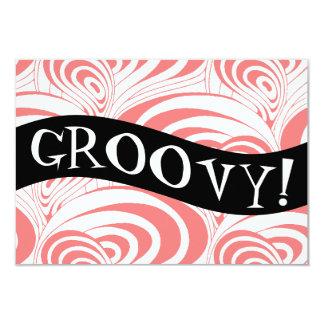 Convite Groovy do redemoinho coral retro à moda da