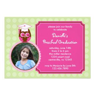 Convite pré-escolar da foto da graduação da coruja