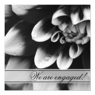 Convite preto e branco da festa de noivado da