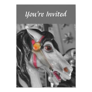 Convite preto e branco do cavalo do carrossel