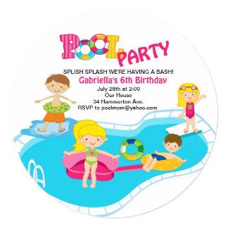 Convite redondo do aniversário da festa na piscina