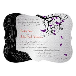 Convite roxo cortado do casamento do pássaro da
