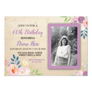 Convite roxo da foto da flor do aniversário bonito