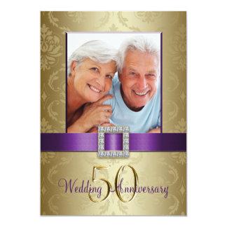 Convite roxo do aniversário de casamento do ouro