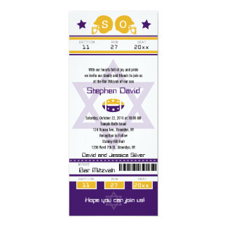 Convite roxo do bilhete do futebol de Mitzvah do