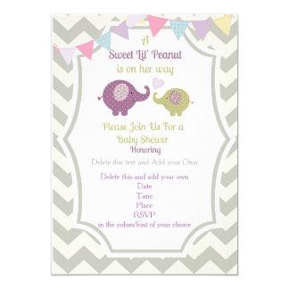 Convite roxo do chá de fraldas do elefante