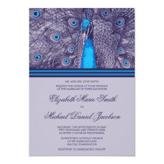 Convite roxo elegante do casamento do pavão da