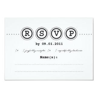 Convite RSVP do casamento da máquina de escrever