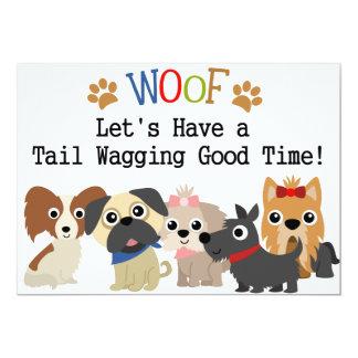 Convite sacudindo do aniversário do cão da cauda