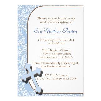 Convite transversal azul do baptismo/batismo