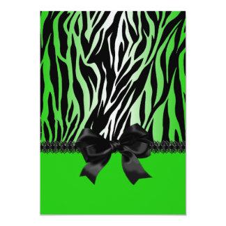Convite verde Sassy da zebra com arco