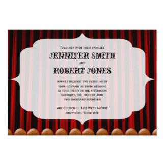 Convite vermelho do casamento do palco da cortina