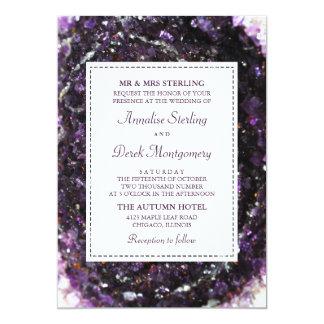 Cartão Convite violeta Amethyst do casamento de Geode |
