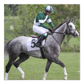 Convites cinzentos Dappled do cavalo de raça