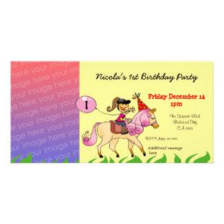 Convites de festas da menina do primeiro aniversar cartão com foto personalizado