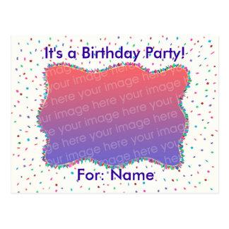 Convites do aniversário da foto dos confetes em cartao postal