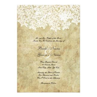 Convites florais brancos do casamento do vintage