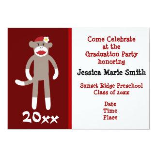 Convites prées-escolar da graduação do macaco