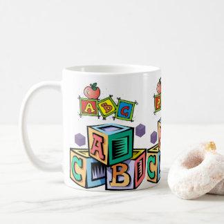 copo da caneca do suco do alfabeto das crianças